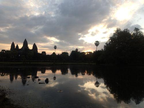 travel and talk cambodia photograph,travel cambodia,francesca baker travel writing,travel south-east asia
