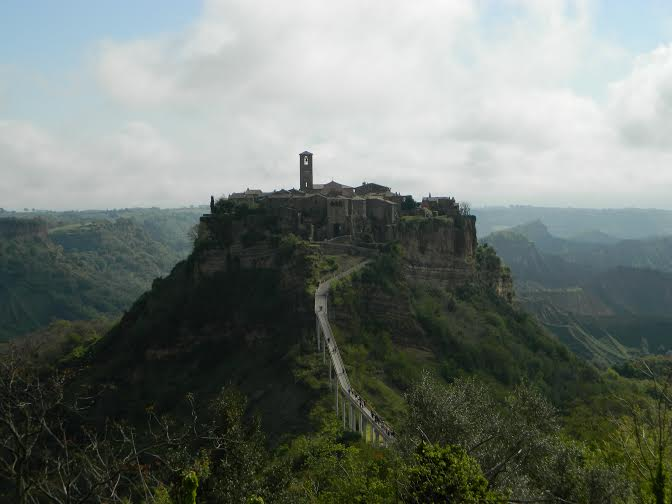 travel and talk civita de bognoregio photograph,travel italy,travel writing joseph mack,travel tuscany