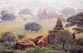 travel and talk bagan photograph,travel and talk soe irwin,travel myanmar,travel bagan,bagan tours, soe irwin travel writing,sor irwin photograph myanmar