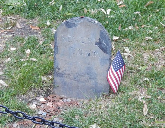 travel and talk boston ghosts and gravestones tour,travel writing tom mcgovern,boston photograph,travel and talk photograph,travel boston,paul revere,boston ghost tour,paul revere tombstone photograph