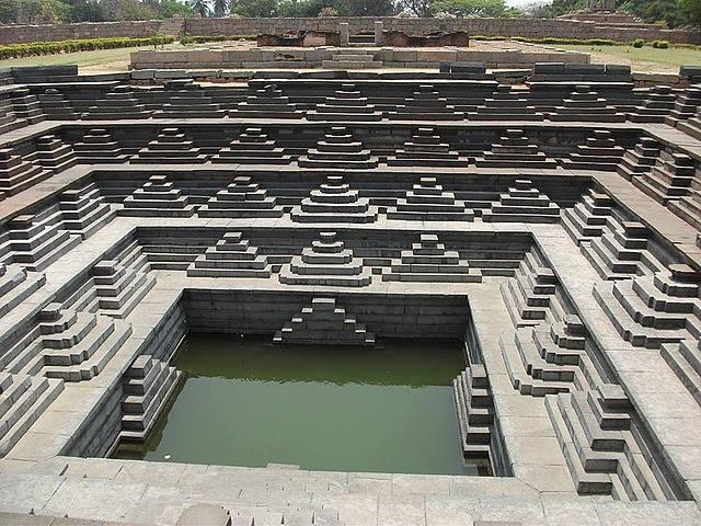 hampi temple travel and talk photograph,travel india,travel writing matt thomas, india photograph,travel hampi.