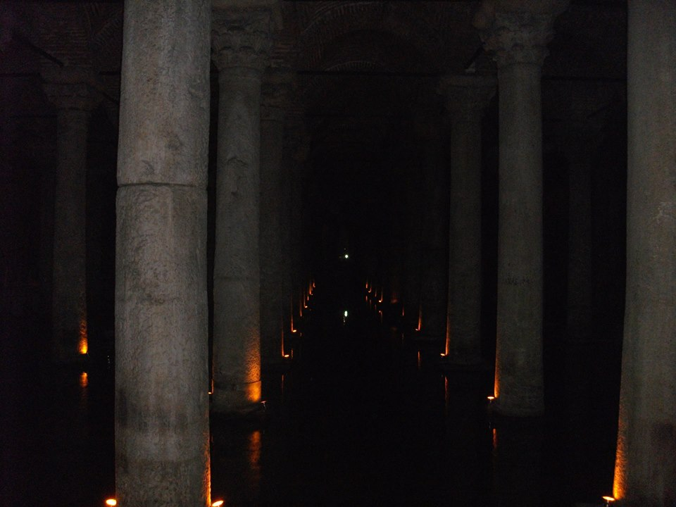 travel and talk basilica cistern photograph,istanbul photograph,travel writing matt thomas, travel istanbul,travel turkey,turkey photograph.