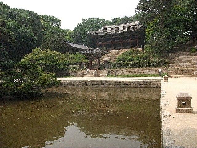 travel and talk secret garden photograph,travel seoul,travel south korea,travel writing matt thomas,secret garden seoul.