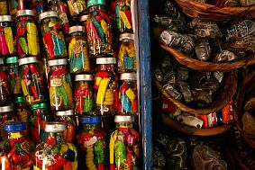 la paz travel and talk photograph,souvenirs la paz, souvenirs bolivia photograph,travel la paz,travel bolivia,travel south america,gwynne hogan travel writing.