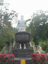 300 steps to Buddha - Photo by Hendson Quan