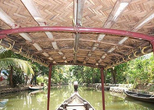 travel and talk india photograph,travel india,travel writing matt thomas,alleppey backwaters photograph