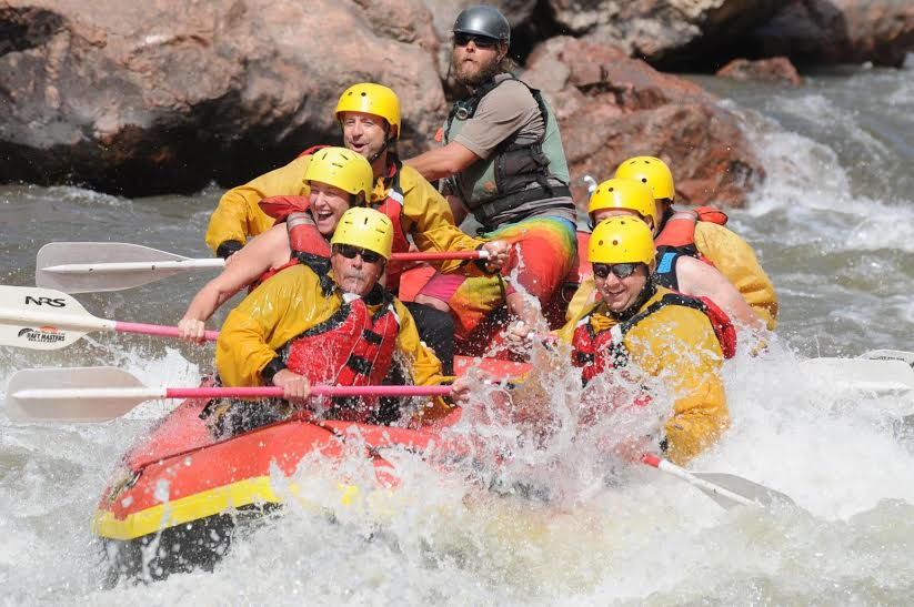 travel and talk whitewater rafting colorado photograph,travel colorado,travel usa,hendson quan travel writing,whitewater rafting colorado.