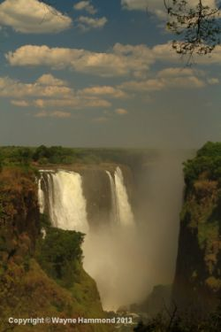 travel and talk zimbabwe waterfall photograph,travel zimbabwe,travel writing wayne hammond,travel africa,photograph africa,photograph zimbabwe waterfall